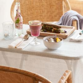 Petit déjeuner équilibré à Arkhé Hotel Boutique